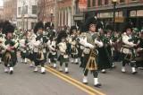 """Irlanda, festa nazionale per San Patrizio: il """"santo del trifoglio"""" che evangelizzò l'Isola verde d'Europa"""