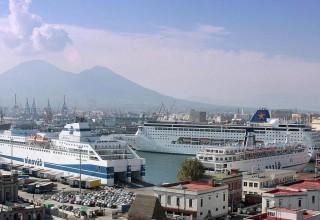Porto di Napoli - Port of Naples