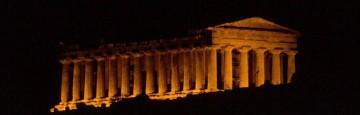 Atene - Calma apparente sul Partenone - In attesa del responso di Bruxelles