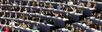 Eurodeputati - Stipendi d'oro e privilegi in tempo di Crisi