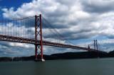 Nuvole su Lisbona: Pil – 3,25%